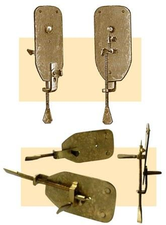 Gambar. Mikroskop Leuwenhoek [http://thecontextualvillains.org]